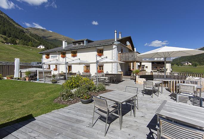 Die Rechte der Fotos sind geteilt mit IN LAIN Hotel Cadonau AG, 7527 Brail
