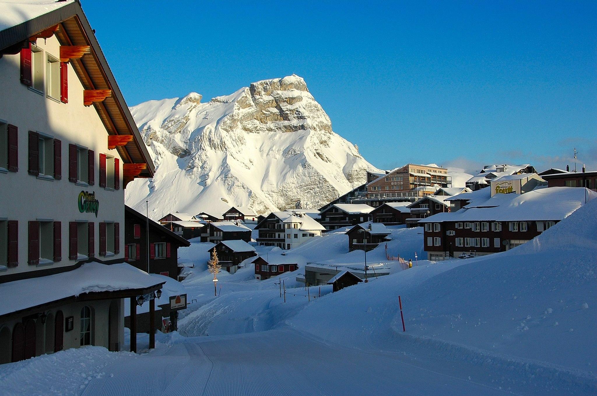 Pizzaiolo per stagione invernale in svizzera for Lavoro per architetti in svizzera