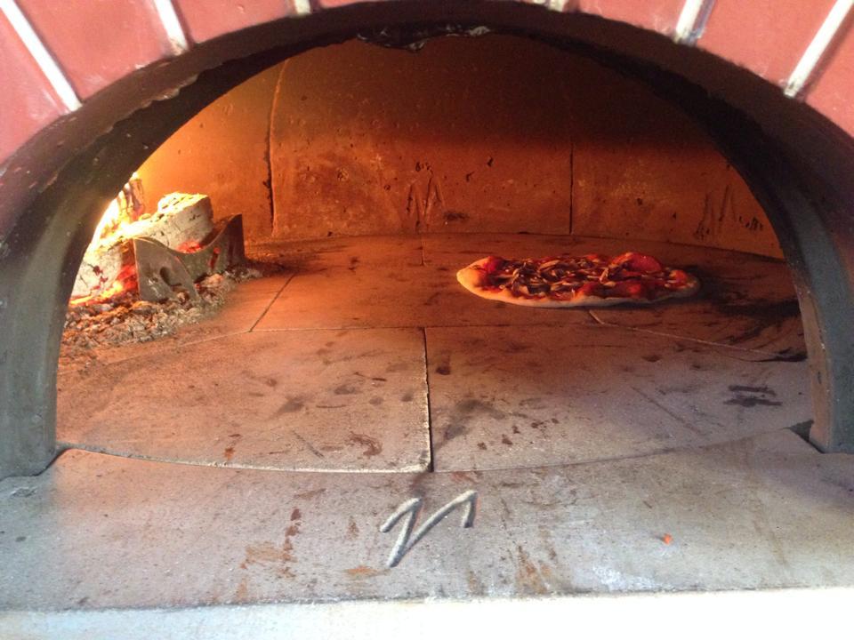 Cercasi pizzaiolo su forno legna in germania - Temperatura forno a legna pizza ...