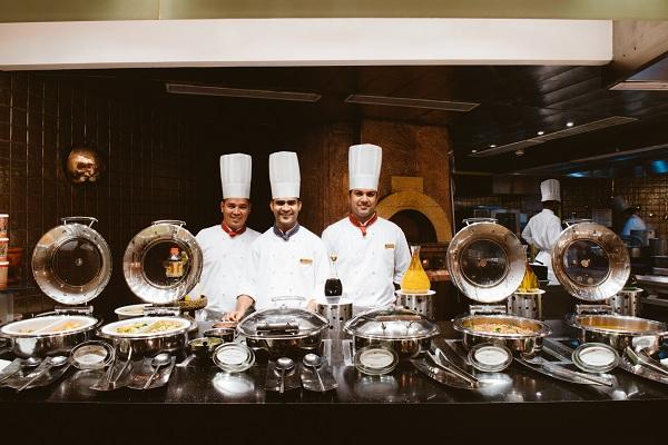 hotel-di-lusso-in-asia-cercano-cuochi-e-chef-cuoco