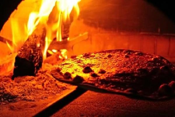 aiuto pizzaiolo in hotel a st moritz