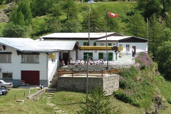 rifugio in svizzera italiana offre lavoro